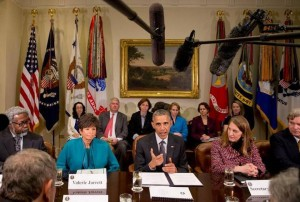 La Casa Blanca especificó en un comunicado que el plan tiene cinco puntos, entre los que destaca la aceleración de la investigación de nuevos antibióticos, así como de otros productos terapéuticos y vacunas. Jacquelyn Martin AP