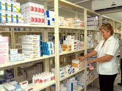 Girardi realiza nuevas denuncias contra cadenas farmacéuticas