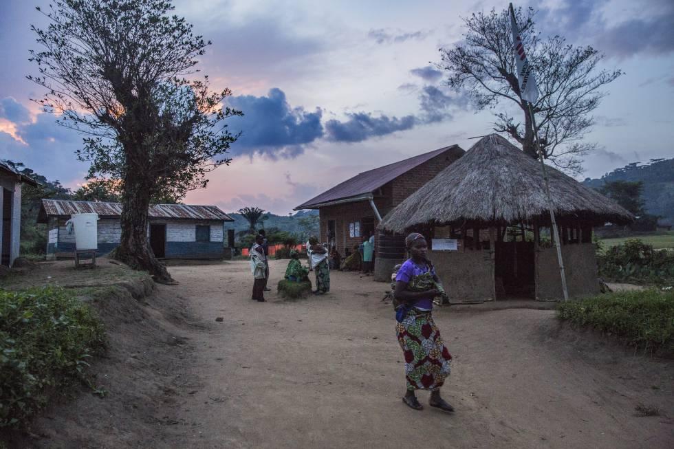 El centro de salud Tushunguti es el más preparado del área.