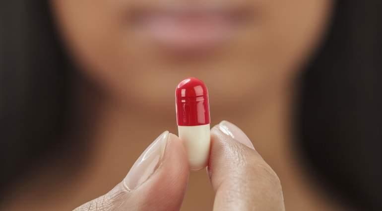 pastilla-mujer-medicina-getty.jpg