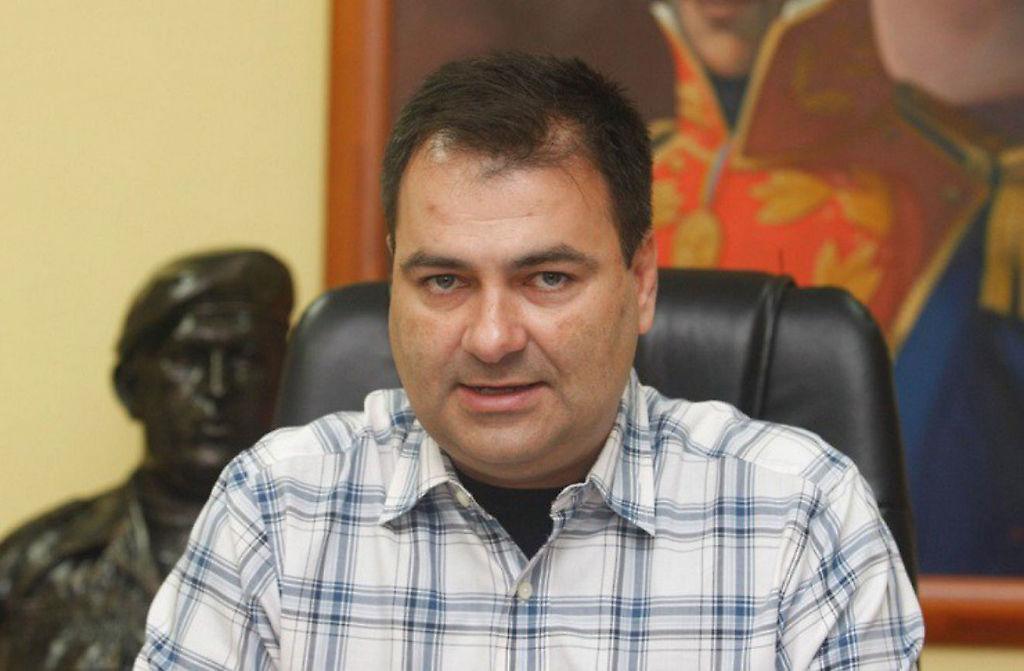 Luis Salerfi López Chejade, ministro de salud