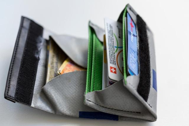 An open wallet