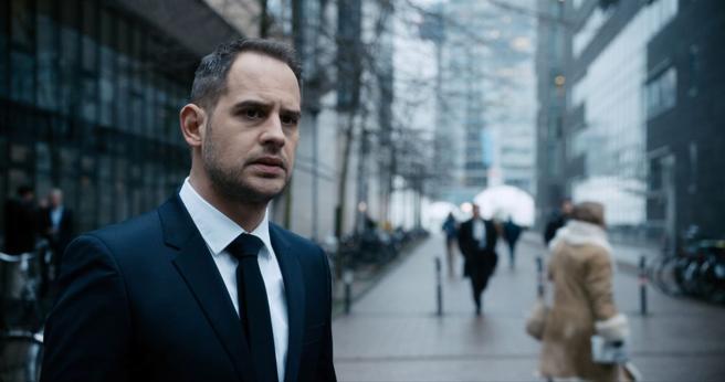 Moritz Bleibtreu es el abogado protagonista